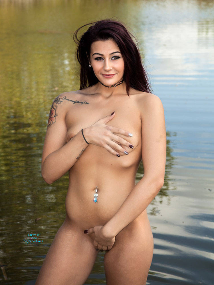 Pic #1 Vibes First Shoot - Nude Girls, Brunette, Outdoors
