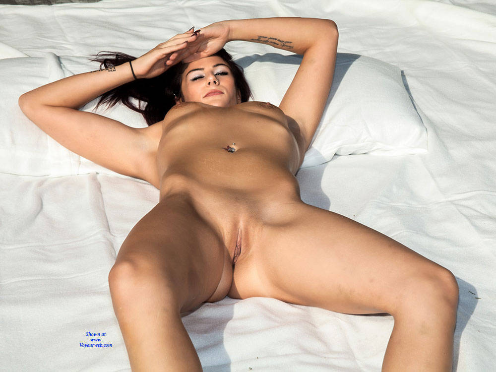 Pic #9 Vibes First Shoot - Nude Girls, Brunette, Outdoors