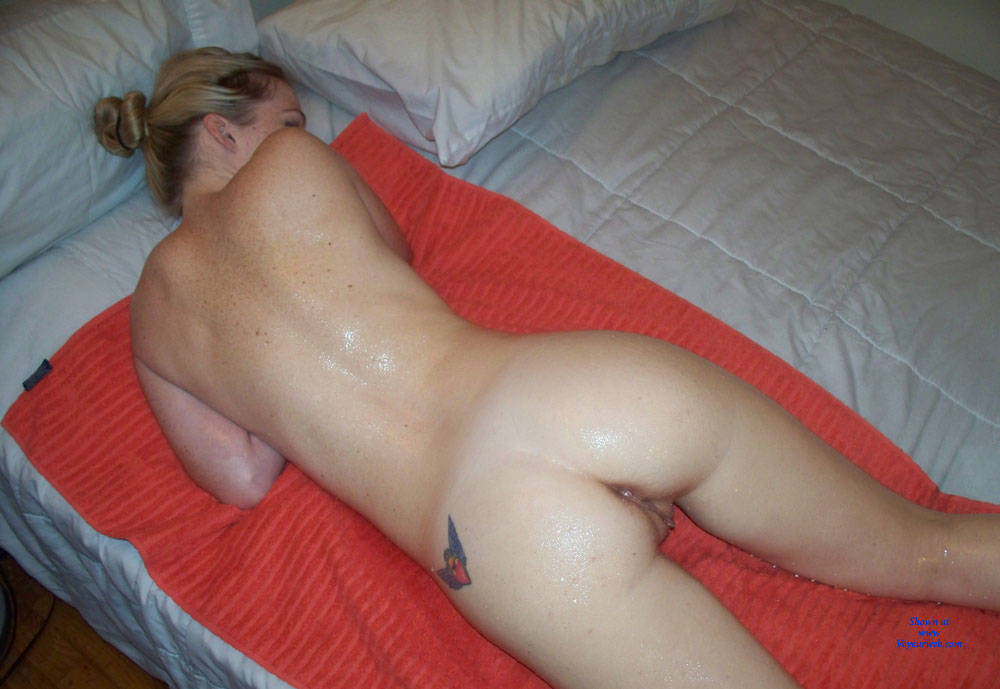 Pic #8 Ultra Sexy And Hot Amateur Lisa Posing Nude - Big Tits, Amateur