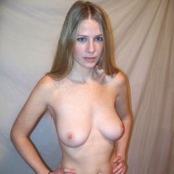 Ultra Sexy And Hot Amateur Lisa Posing Nude - Big Tits, Amateur