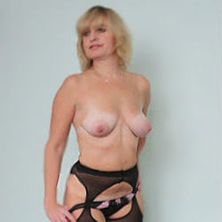 Russian Wife Lena - Wives In Lingerie, High Heels Amateurs