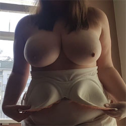 Snowy New Years Eve - Big Tits, Lingerie, Amateur