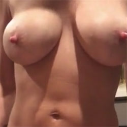 Quick Strip - Nude Amateurs, Big Tits, Shaved