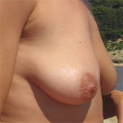 Tits And Pussy - Nude Girls, Beach, Big Tits, Outdoors, Shaved, Amateur
