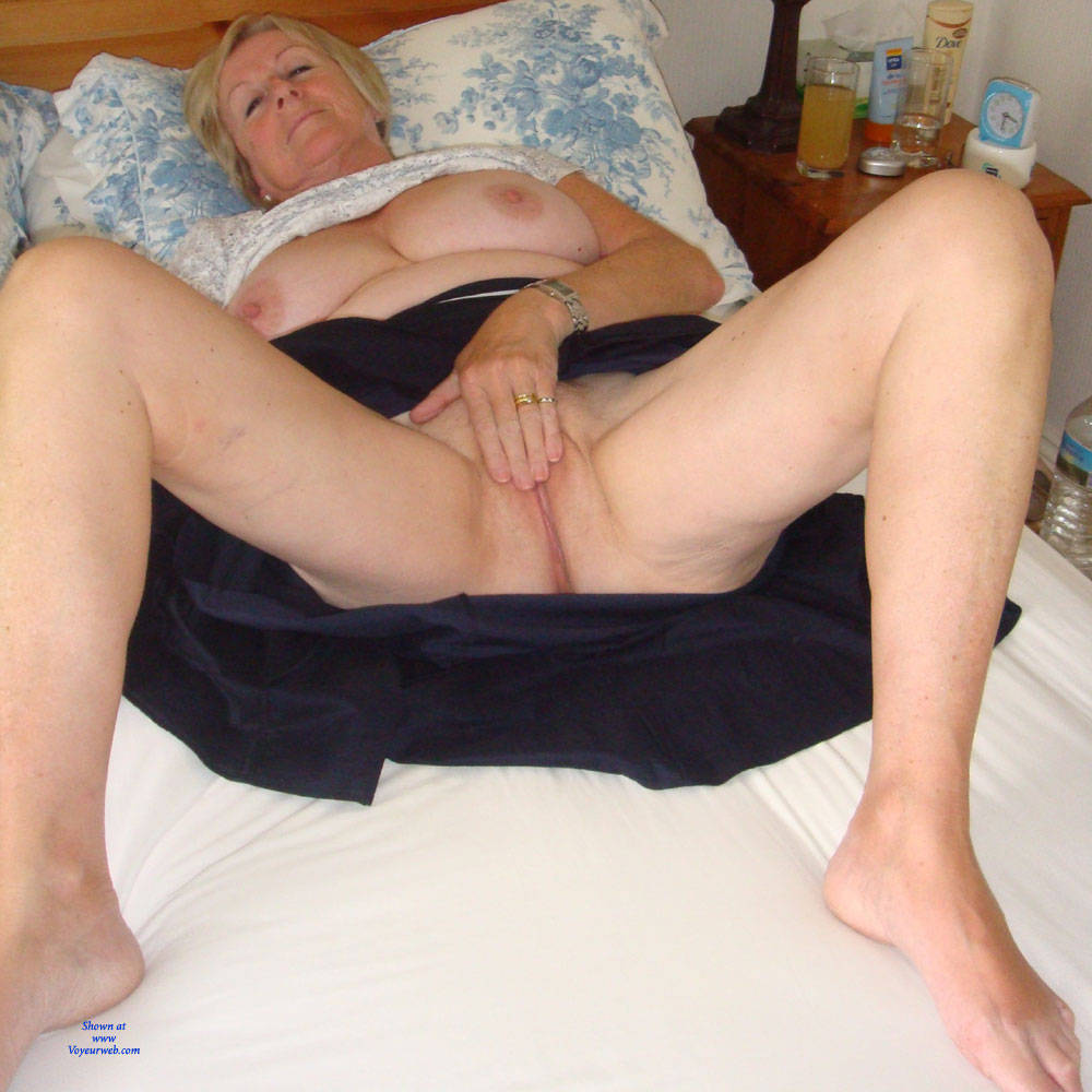 Pic #5 Upskirt Fun - Big Tits, Mature, Shaved, Amateur