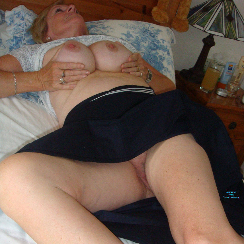 Pic #4 Upskirt Fun - Big Tits, Mature, Shaved, Amateur