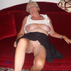 Upskirt Fun - Big Tits, Mature, Shaved, Amateur