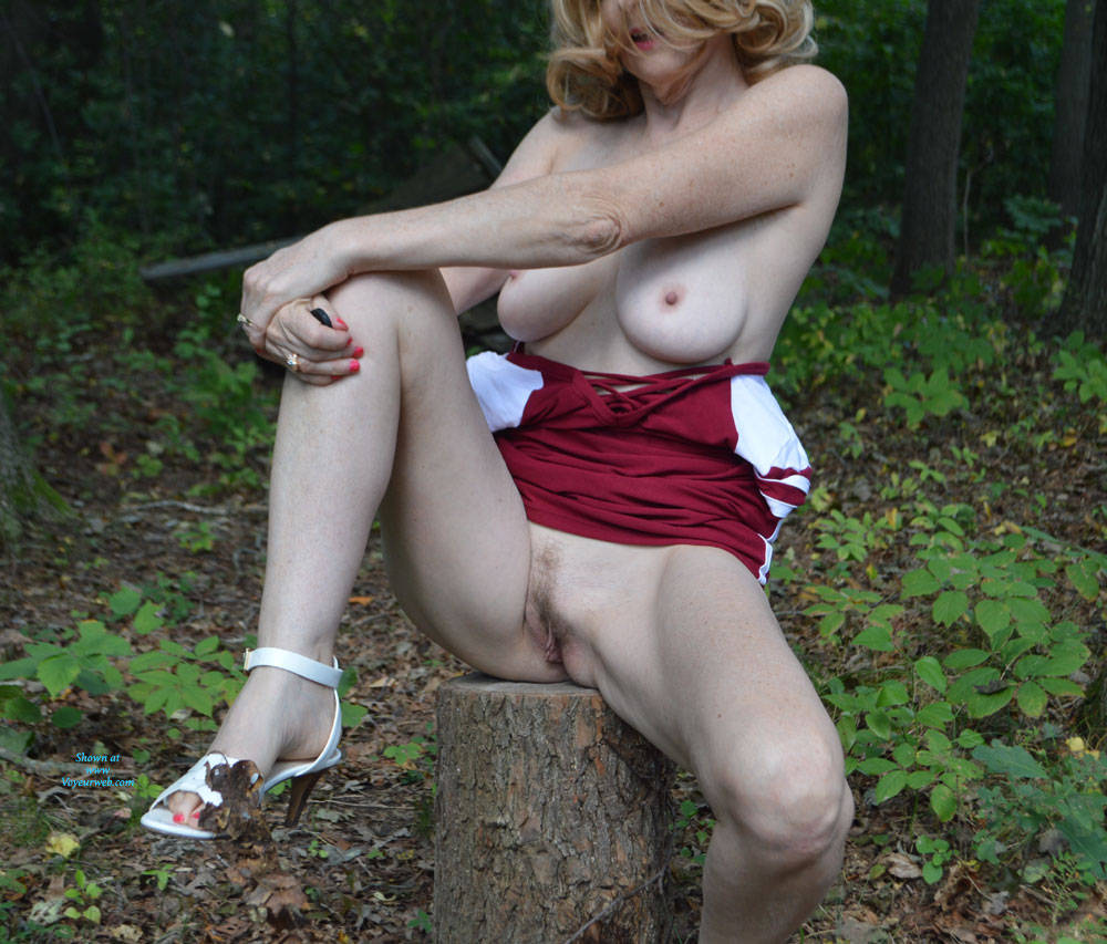 Pic #7 Zeena In The Forest - Big Tits, Outdoors, Nature, Amateur