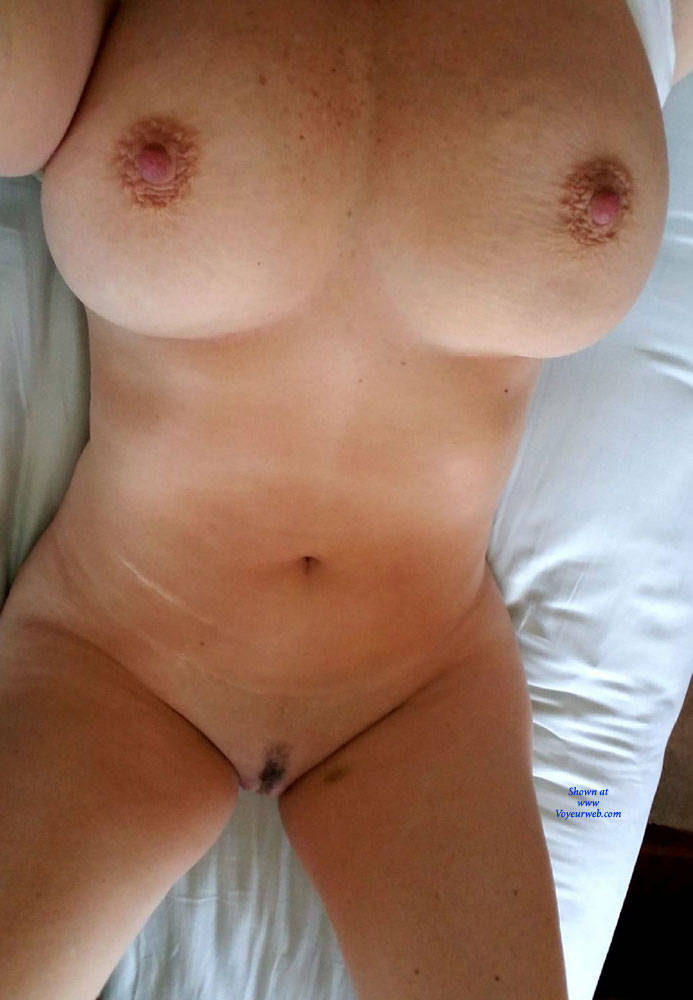 Pic #3 Morning In Bed - Big Tits, Amateur