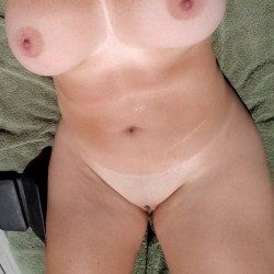 Very large tits of my girlfriend - Tickles88