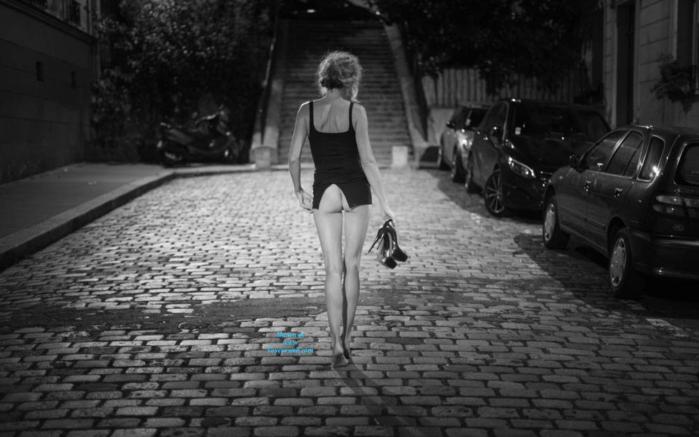 Pic #1 Paris - Pantieless Girls, Public Exhibitionist, Flashing, Outdoors, Public Place, Long Legs