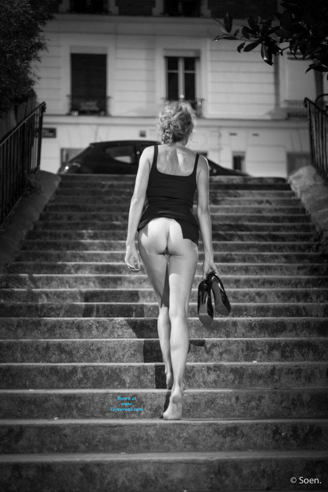 Pic #4 Paris - Pantieless Girls, Public Exhibitionist, Flashing, Outdoors, Public Place, Long Legs