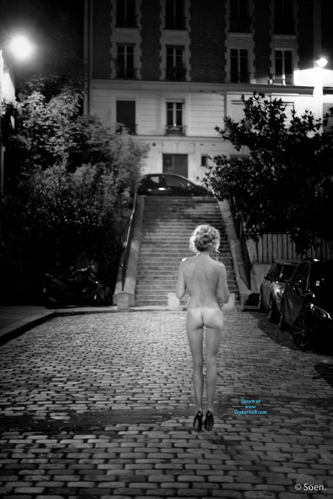 Pic #5 Paris - Pantieless Girls, Public Exhibitionist, Flashing, Outdoors, Public Place, Long Legs