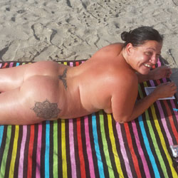 Nudist Lifestyle - Topless Wives, Beach, Outdoors, Amateur, Tattoos