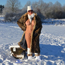 I Love The Cold Snow - Nude Girls, Big Tits, Outdoors, Amateur