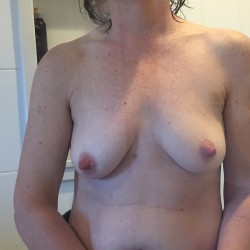 Medium tits of my wife - Lisam