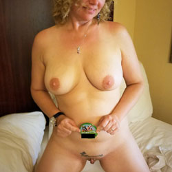 Flashing Fun - Nude Wives, Big Tits, Shaved, Amateur, Tattoos