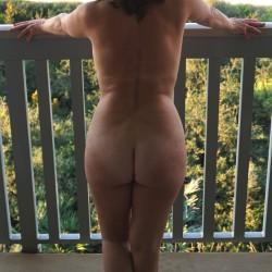 My wife's ass - Ripley