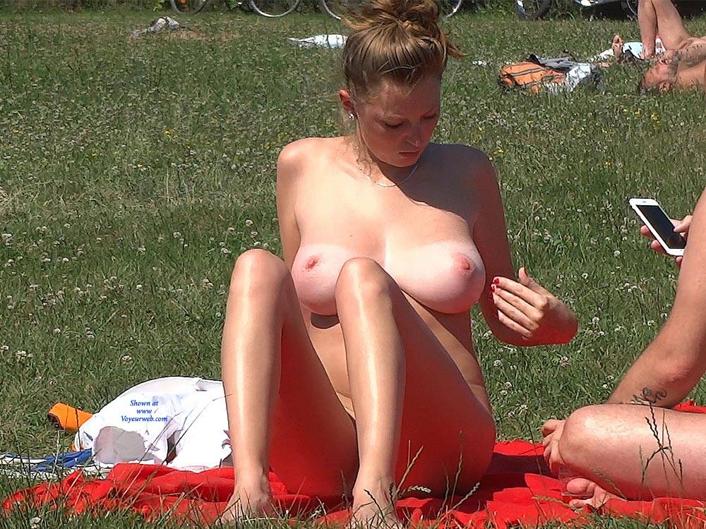 Pic #7 Big Naturals - Nude Girls, Beach, Big Tits, Brunette, Outdoors, Shaved, Beach Voyeur