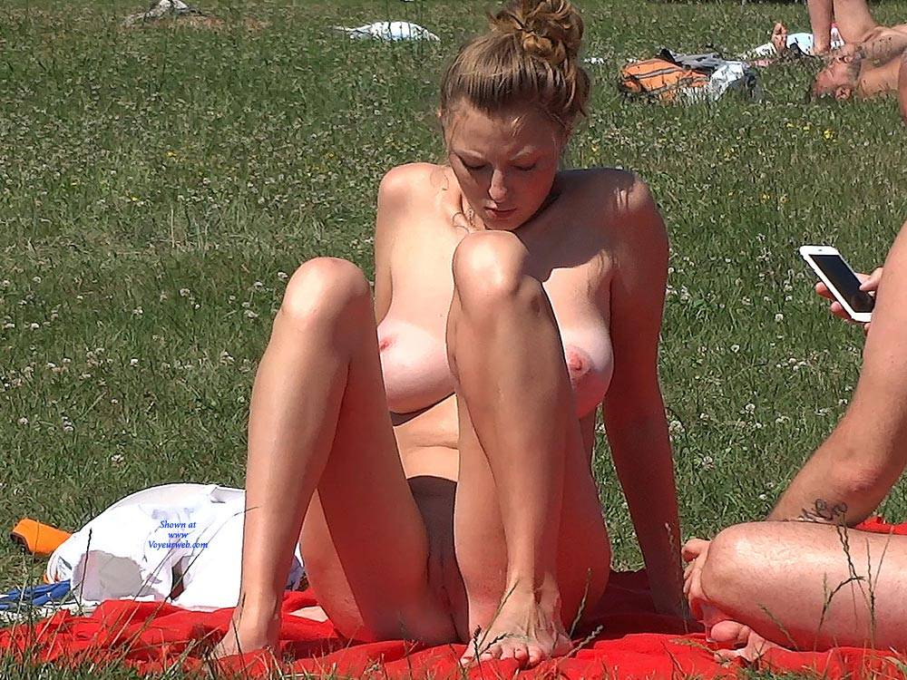Pic #8 Big Naturals - Nude Girls, Beach, Big Tits, Brunette, Outdoors, Shaved, Beach Voyeur