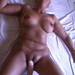 Au Lit En Bonne Compagnie - Nude Amateurs, Big Tits
