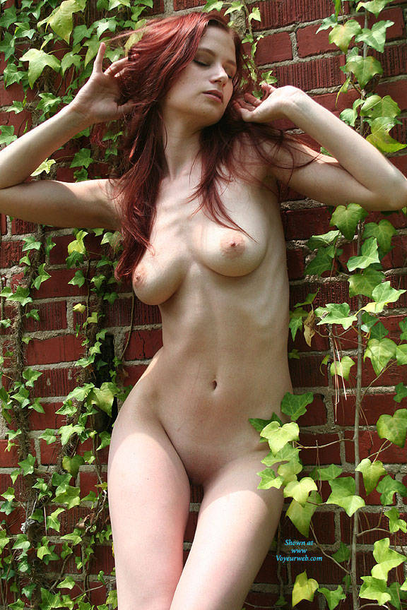 Pic #4 Wall Of Ivy - Nude Girls, Big Tits, Outdoors, Redhead, Shaved