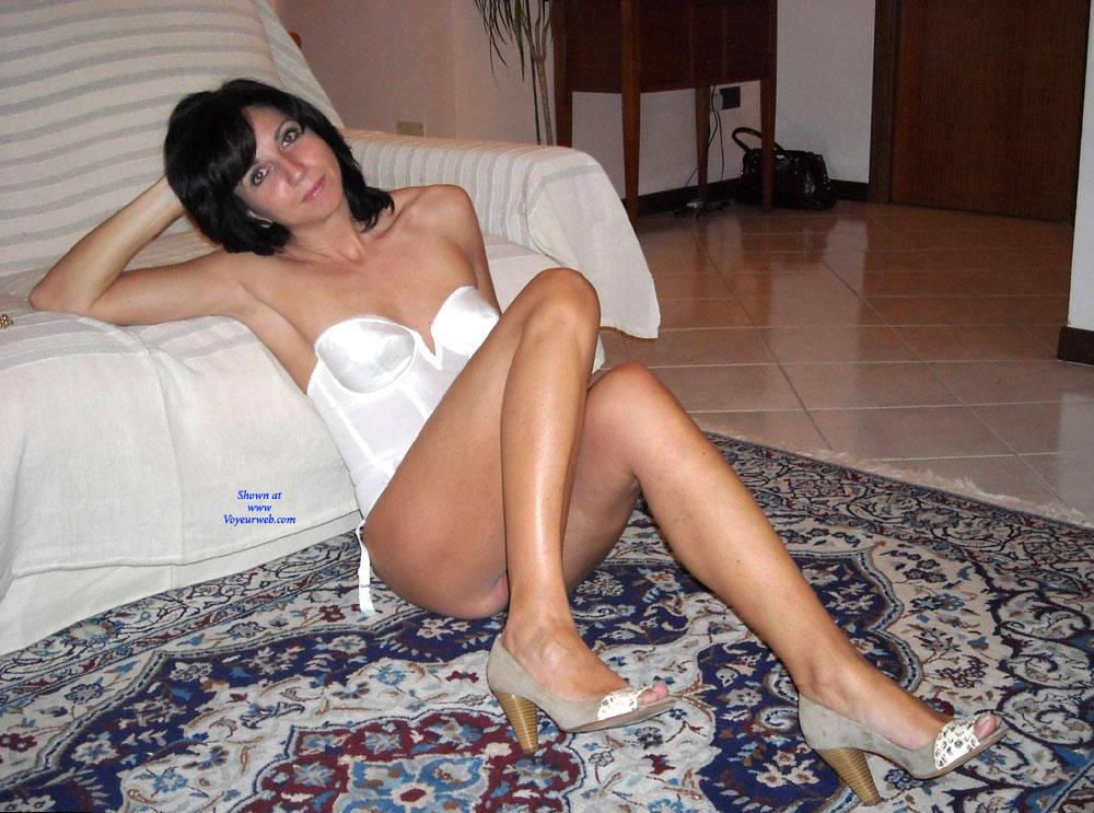 Https Hwcdn Voyeurweb Com Albums  Sexy Housewife Jpg