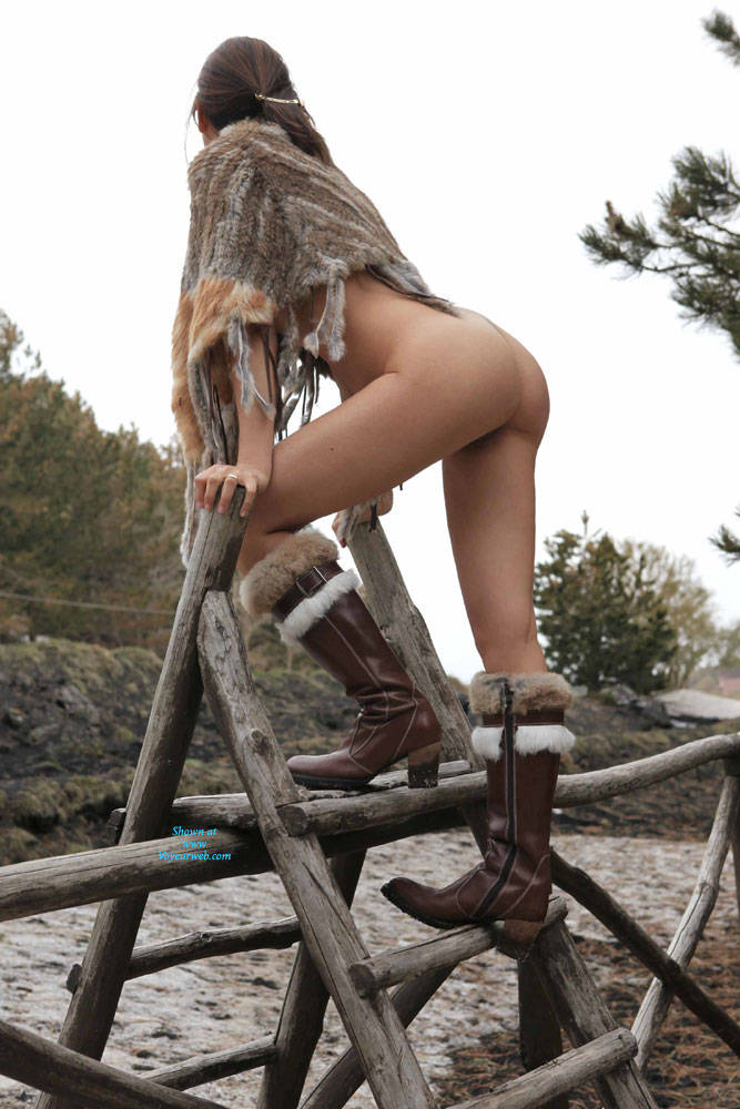 Pic #9 Snow B Sides - Nude Girls, Outdoors, Amateur, Firm Ass