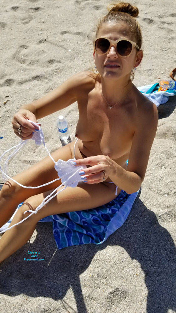 Pic #2 I Love When My Body Draws Attention!! - Nude Girls, Beach, Outdoors, Amateur