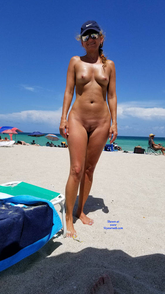 Pic #4 I Love When My Body Draws Attention!! - Nude Girls, Beach, Outdoors, Amateur