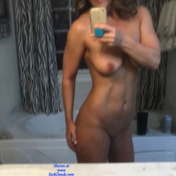 Crossfit Milf Wants To Share - Shaved, Close-Ups, Pussy, Amateur