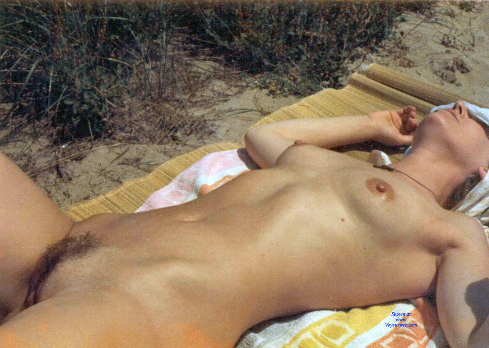 Pic #10 Work On The Beach - Nude Wives, Beach, Brunette, Outdoors, Bush Or Hairy, Amateur