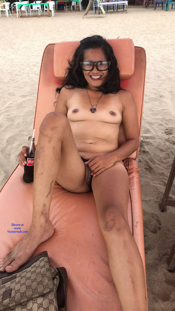 Pic #4 My Girlfriend On The Beach - Nude Girlfriends, Beach, Brunette, Outdoors, Amateur