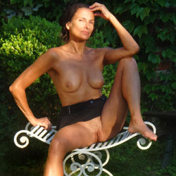 Eva Reminder - Big Tits, Brunette, Outdoors, Amateur