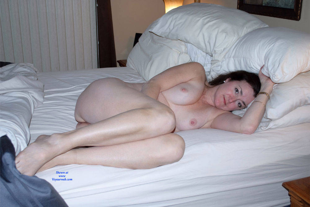 Pic #3 Can You See Me Now? - Nude Girls, Big Tits, Brunette, Amateur