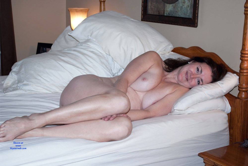 Pic #7 Can You See Me Now? - Nude Girls, Big Tits, Brunette, Amateur