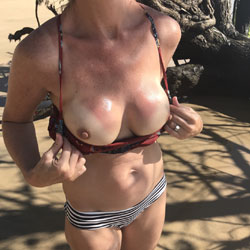 Reflections Of The Sun - Beach, Big Tits, Outdoors, Amateur