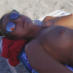 Just A Few Seconds Of Me In The Sun Naked! - Nude Girls, Beach, Outdoors, Amateur