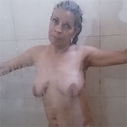 Lilibeth - Nude Amateurs, Big Tits, Brunette, Wet Tits