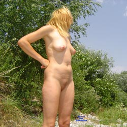 Summer Time - Nude Girls, Outdoors, Amateur