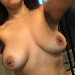 So Sexy 2 - Big Tits, Nude Wives, Shaved, Amateur