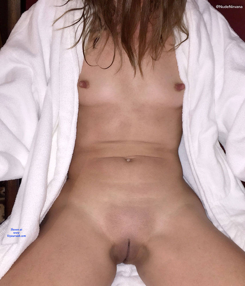 Pic #10 Nirvana Dare - Nude Girls, Public Exhibitionist, Flashing, Public Place, Shaved, Amateur, Brunette