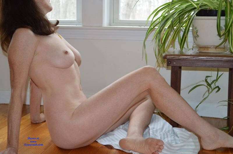 Pic #4 Zeena's Early Morning - Nude Wives, Big Tits, Bush Or Hairy, Amateur