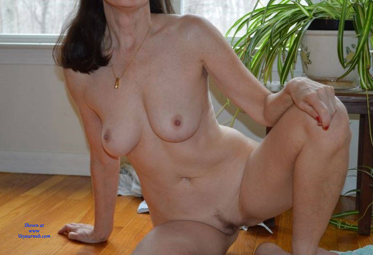Pic #5 Zeena's Early Morning - Nude Wives, Big Tits, Bush Or Hairy, Amateur