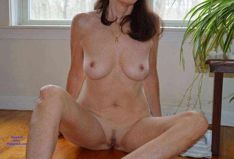 Pic #6 Zeena's Early Morning - Nude Wives, Big Tits, Bush Or Hairy, Amateur