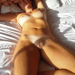 Morning Light Pleasures - Nude Girls, Amateur