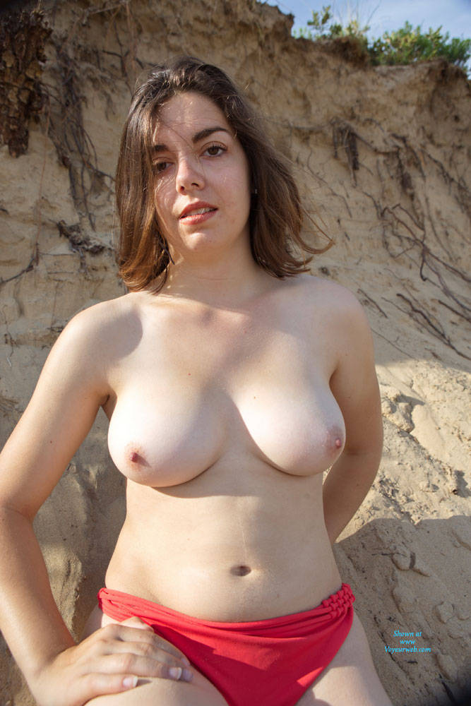 Pic #10 First Casting - Topless Girls, Big Tits, Brunette, Outdoors, Amateur, European And/or Ethnic