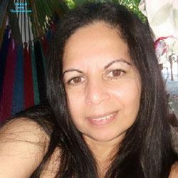 Las Tetas De Maria La Salvadorena - Big Tits, Brunette, Outdoors, Amateur