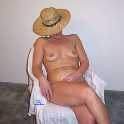 Sara Revisited - Nude Wives, Amateur