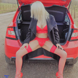 Yorkshire Countryside PT 1 - Blonde, High Heels Amateurs, Lingerie, Outdoors